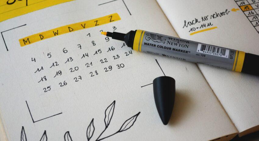A xl8r's Calendar: Your Aid to Plan Ahead